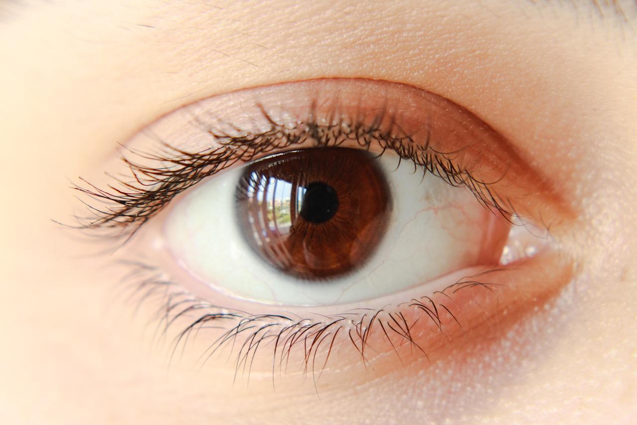 Co stosować przy zmęczonych oczach?