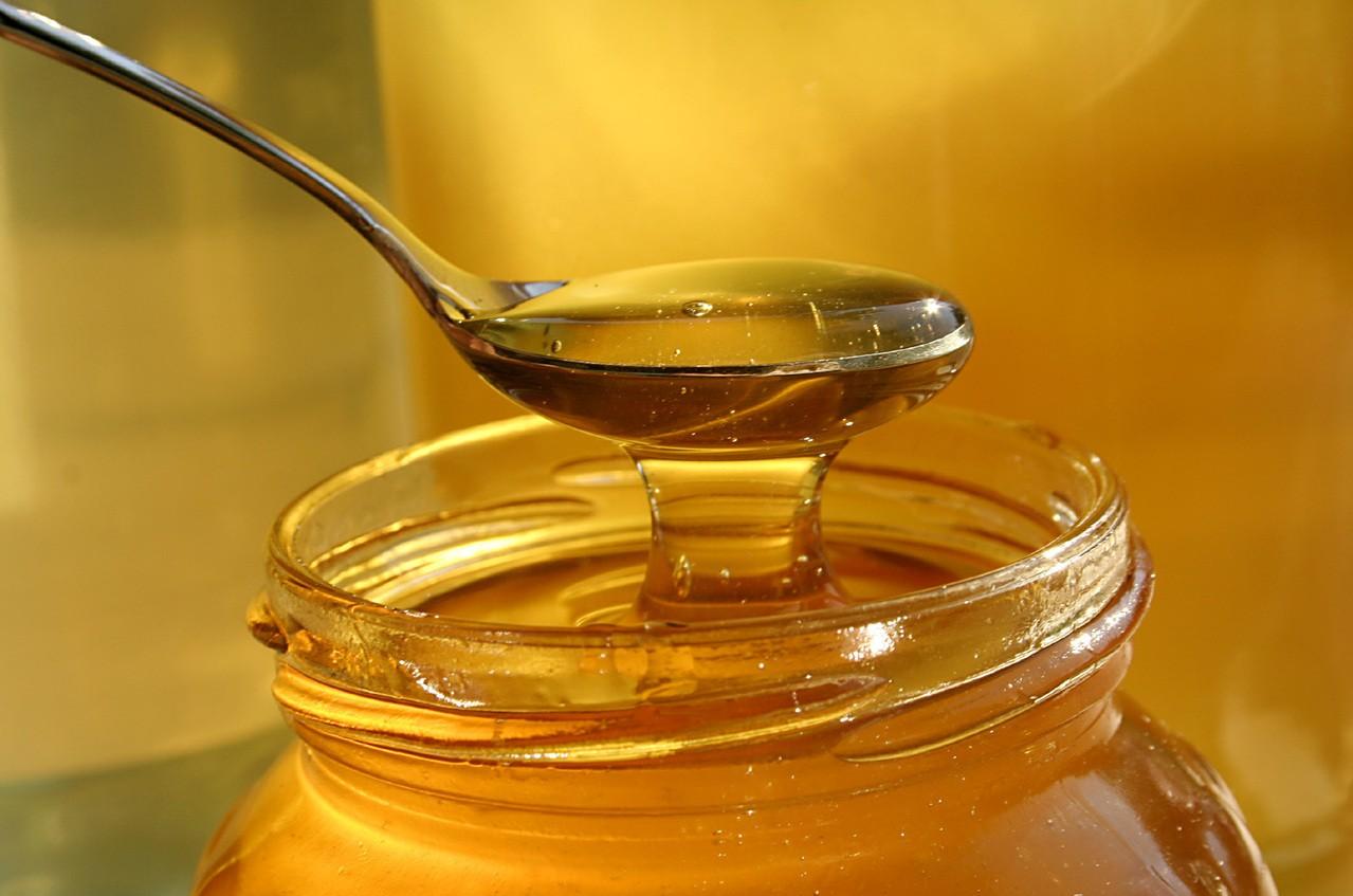 Jakie są produkty pszczele inne niż miód i jakie mają zastosowania?